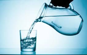 Питьевая вода. Как заботиться о детях, когда они пьют воду?